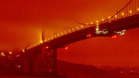 ΒΙΝΤΕΟ: Οι πυρκαγιές μετατρέπουν τον ουρανό του Σαν Φρανσίσκο σε πορτοκαλί χρώμα και μετατρέπουν αυτήν την πόλη στο σκηνικό μιας αποκαλυπτικής ταινίας
