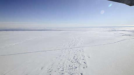 Imágenes satelitales revelan graves daños en dos enormes glaciares de la Antártida