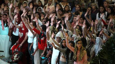 'Poder evangélico', el libro que explica por qué estos grupos religiosos son un peligro para América