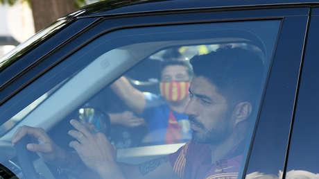 """VIDEO: Luis Suárez sale """"a lágrima viva"""" del que sería su último entrenamiento con el Barça ante una inminente marcha del club"""