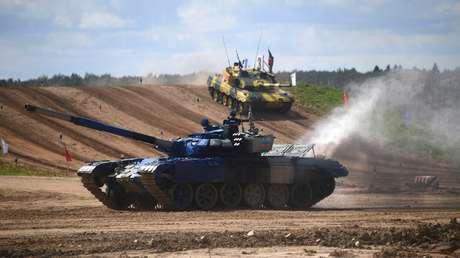 """Armenia ataca a militares de Azerbaiyán tras denunciar una agresión, y el Ejército azerbaiyano anuncia contraofensiva """"en toda la línea del frente"""""""