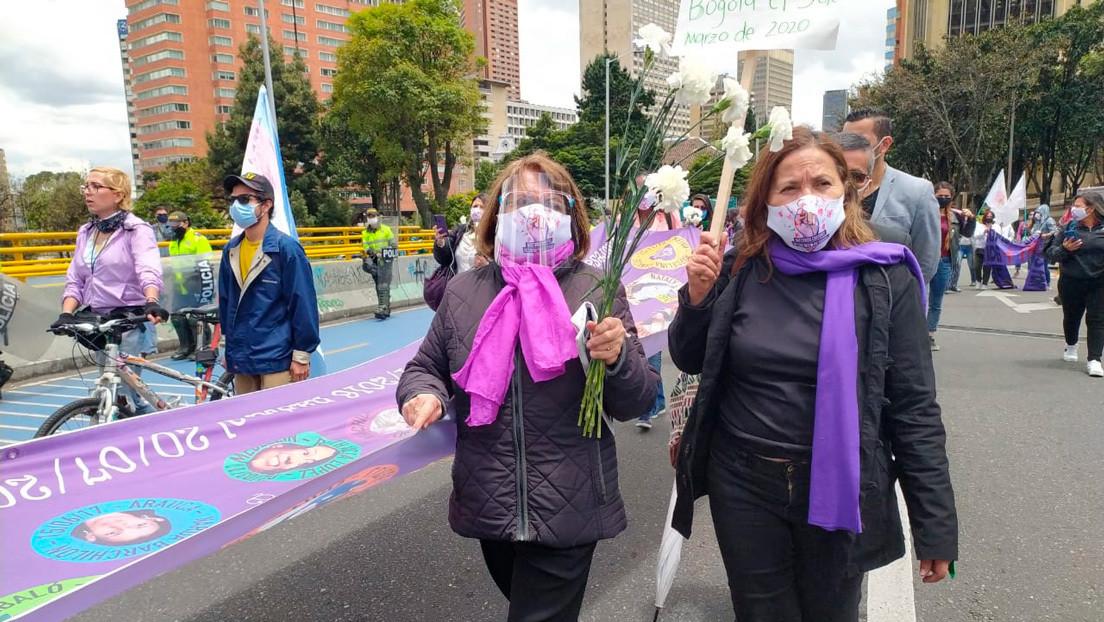 Colectivos feministas marchan en Bogotá contra la violencia estatal