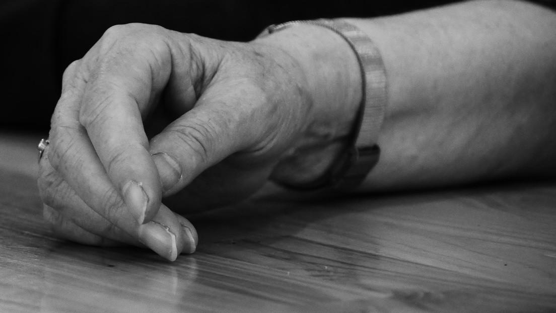 VIDEO: Denuncian a una auxiliar que maltrató a una anciana en una residencia de Madrid y lo grabó