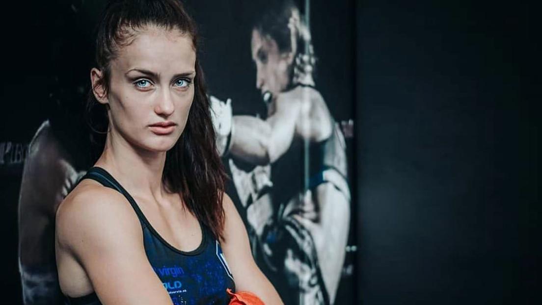 VIDEO: Una luchadora debuta en las MMA aplastando a su rival con una rara llave denominada el 'crujido del escorpión'