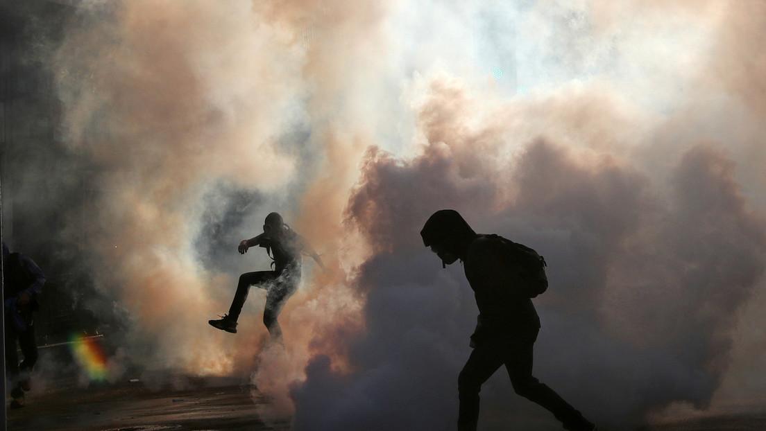 El caso del carabinero que lanzó a un joven por un puente reabre el debate sobre la violencia policial en Chile