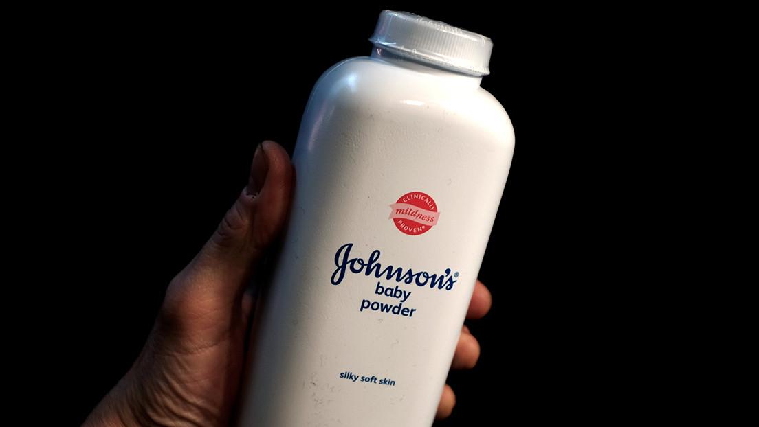 Johnson & Johnson podría pagar más de 100 millones de dólares por un millar de demandas que acusan a su talco para bebés de provocar cáncer