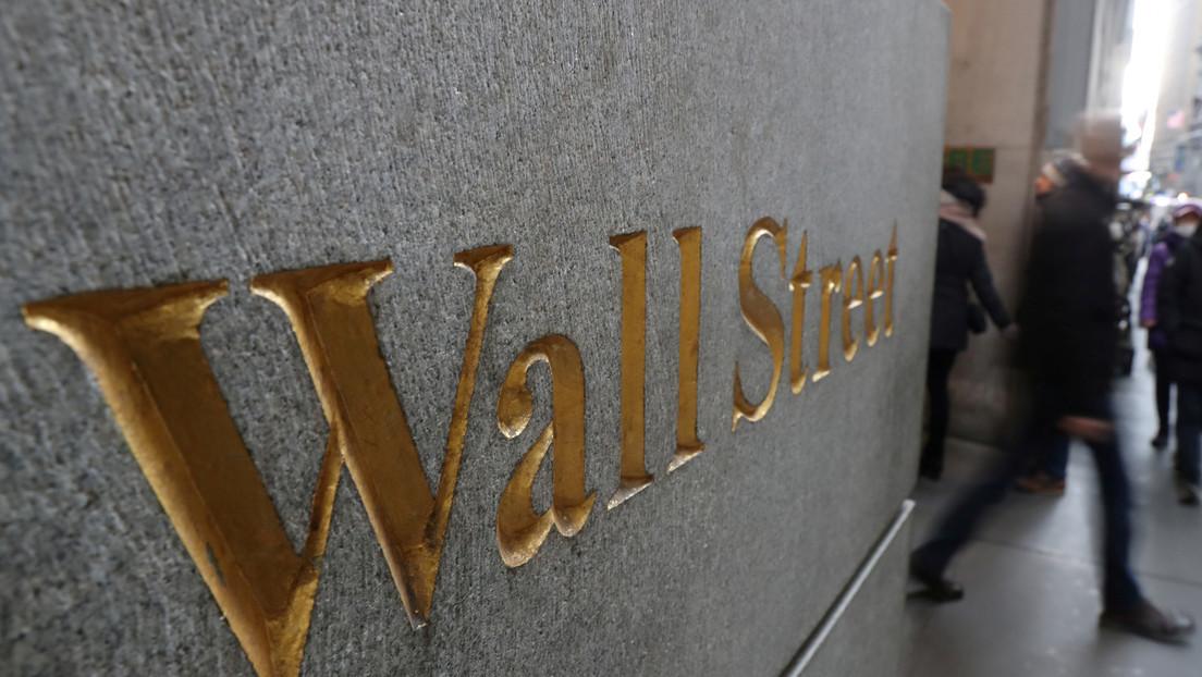 Las bolsas de EE.UU. caen más del 1 % tras aplazarse las conversaciones de Trump con los demócratas sobre estímulos económicos