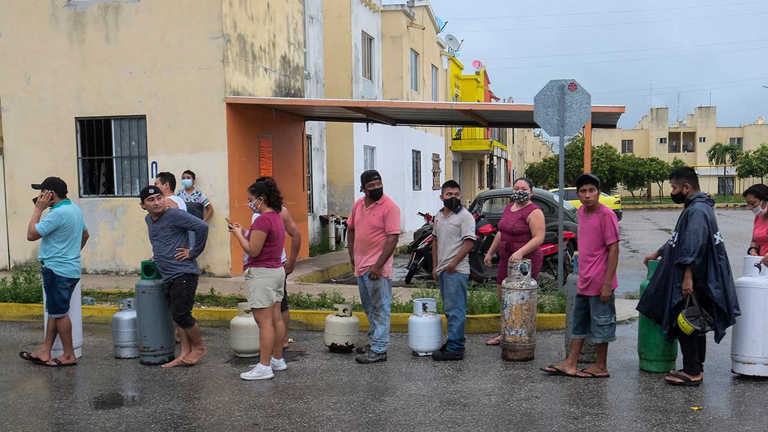 El huracán Delta se degrada a categoría 2 al tocar tierra en México