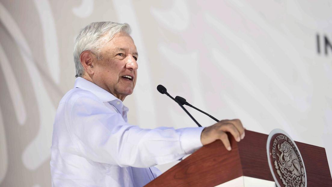 """López Obrador rechaza la recomendación del FMI de frenar las obras de una refinería: """"Que nos respeten"""""""