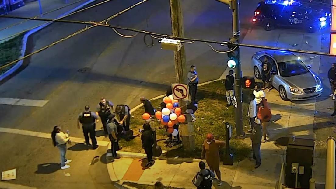 VIDEO: Un policía se arrodilla sobre la espalda de una mujer negra embarazada de 9 meses durante su arresto