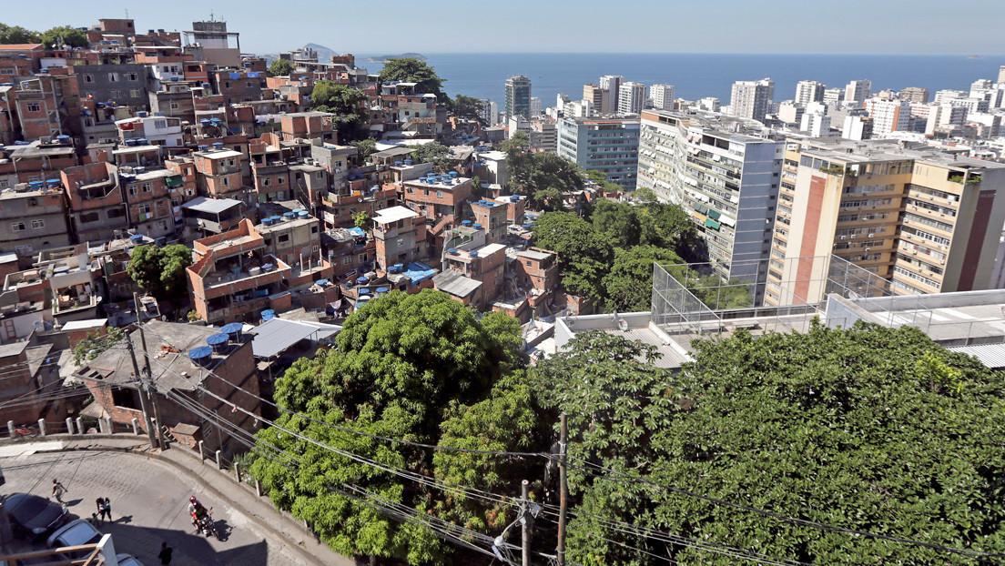 Encuentran caminando desorientada en una favela en Río de Janeiro a una modelo brasileña desaparecida hace un año en Nueva York