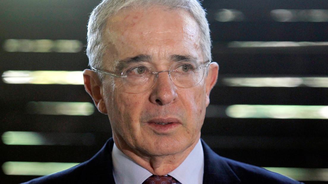 Fiscalía de Colombia solicita la libertad del expresidente Álvaro Uribe en juicio por fraude y soborno