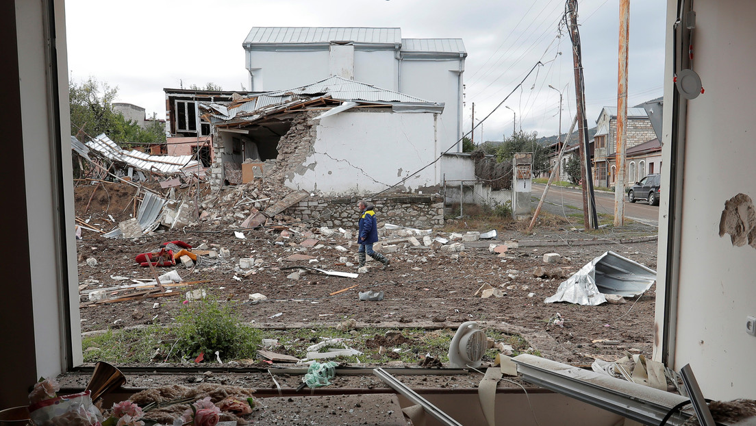 Putin llama a poner fin a las hostilidades en Nagorno Karabaj