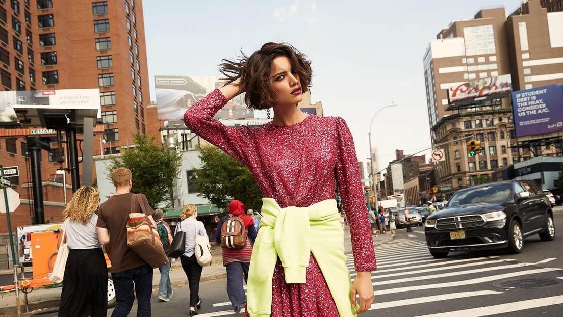 """La modelo brasileña dijo a la Policía estar """"feliz"""" y fuera de peligro, meses antes de que fuera encontrada caminando desorientada en una favela"""