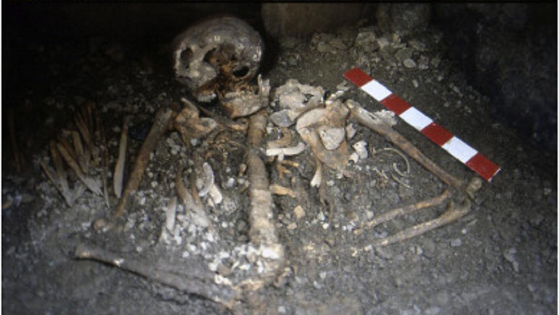 Descubren un inusual entierro familiar de más de 5.000 años en los Pirineos