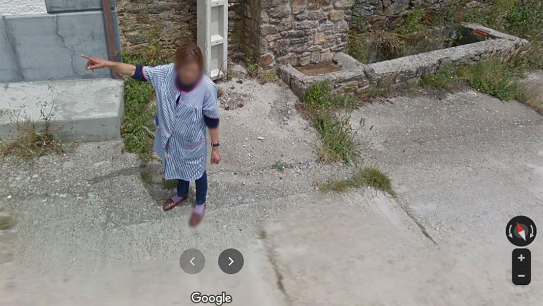 Foto de un coche de Google Maps pidiendo indicaciones a una lugareña en un pueblo español se hace viral