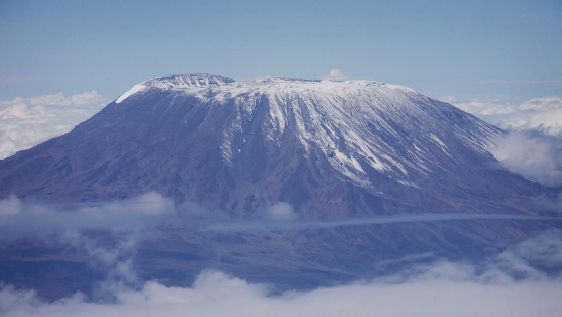 FOTO, VIDEO: Se produce un incendio en el monte Kilimanjaro