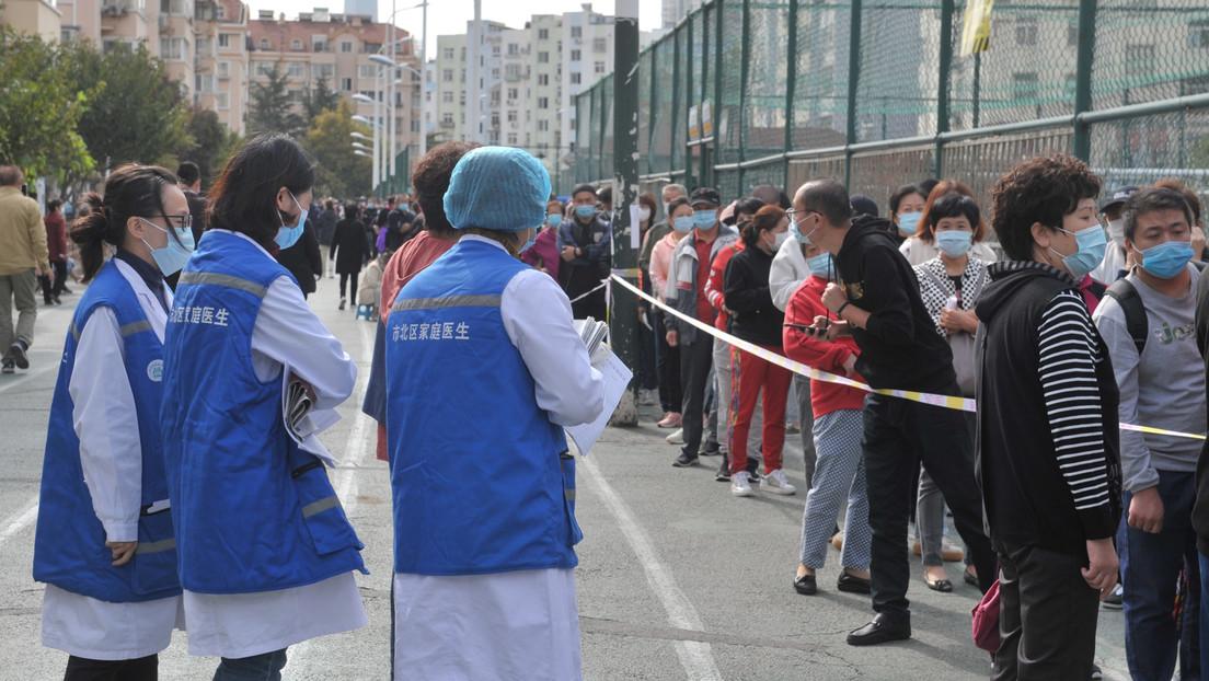 China realizará pruebas a los 9 millones de habitantes de una ciudad tras detectar 12 casos de covid-19