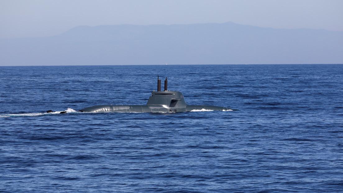Reportan columnas de humo saliendo de un submarino nuclear en Escocia (FOTOS)