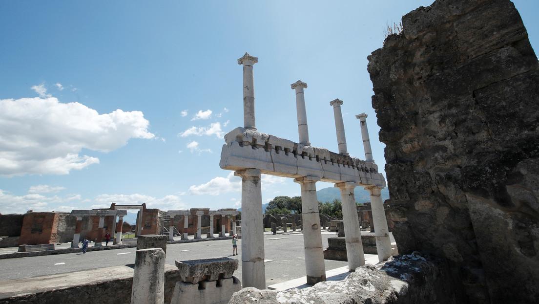 """Una turista devuelve objetos """"malditos"""" que robó en Pompeya porque le trajeron 15 años de infortunios"""