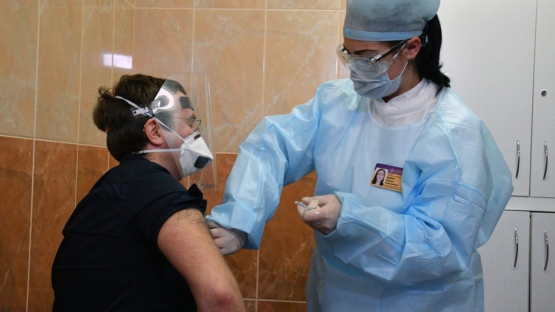 Rusia permite comenzar a probar la vacuna Sputnik V en voluntarios de más de 60 años
