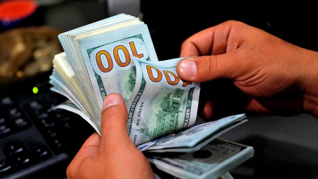 Crece la cotización del dólar irregular en Argentina hasta los 170 pesos y alcanza un nuevo récord