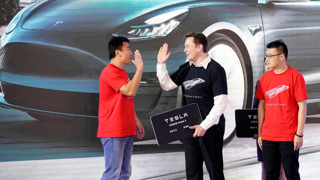 """""""Los números favoritos de todo adolescente"""": Musk divierte a los internautas con el nuevo precio del Model S de Tesla"""
