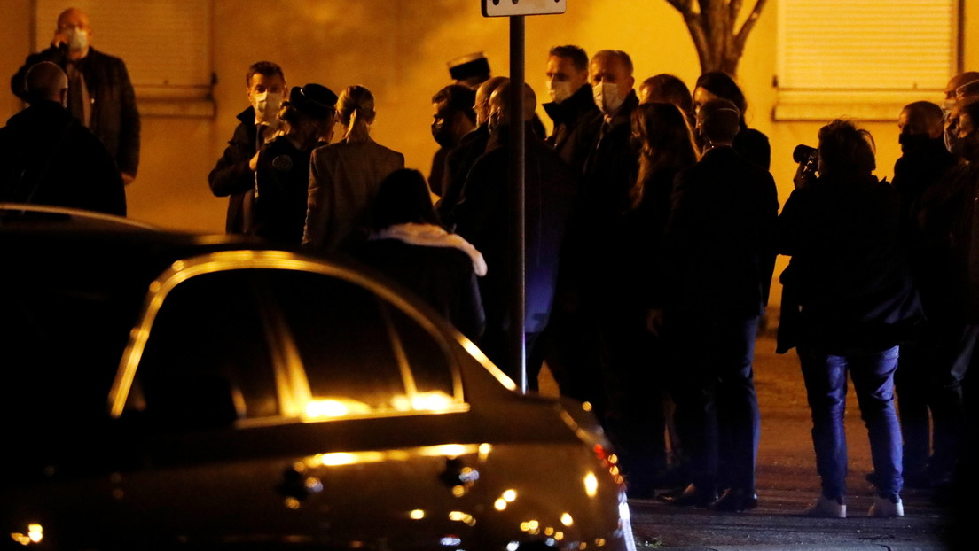 "Macron califica el asesinato de un profesor francés como ""atentado terrorista islamista"""
