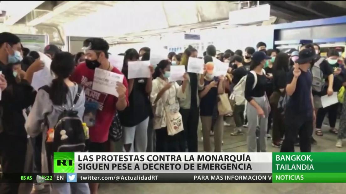 Las protestas contra la monarquía de Tailandia siguen pese al decreto de emergencia