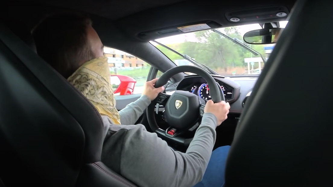 VIDEO: Detienen a 'youtuber' por conducir un Lamborghini a 233 km/h
