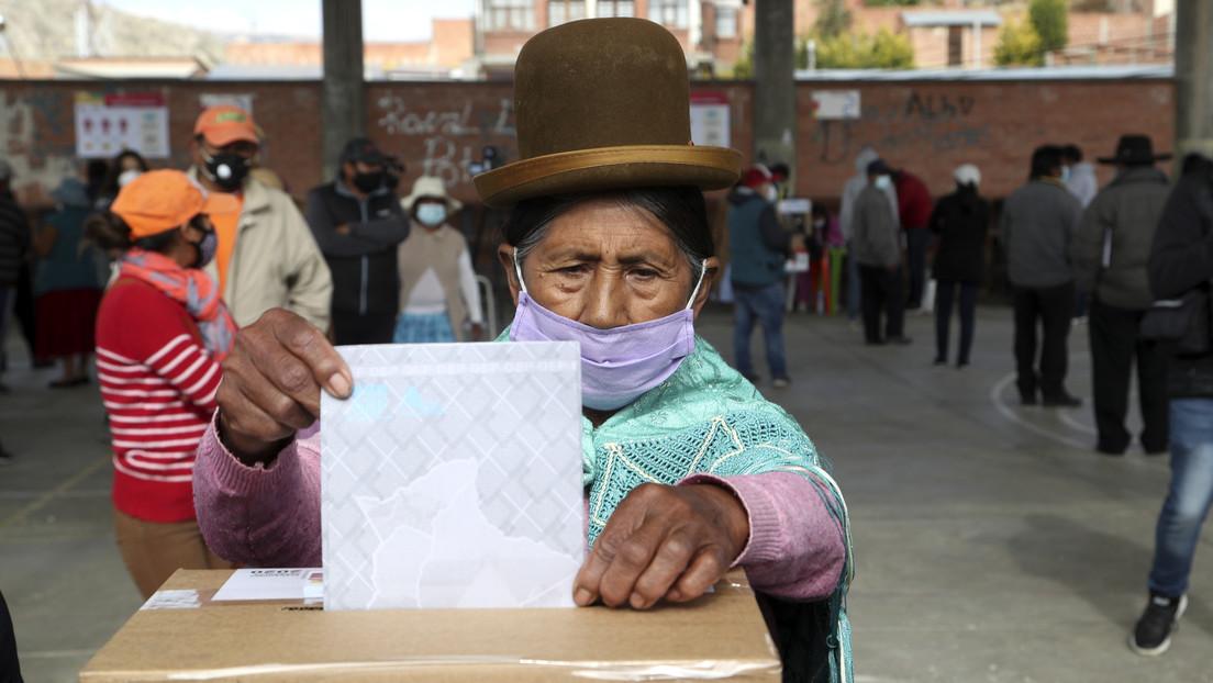 El retraso de los resultados cubre de incertidumbre las elecciones presidenciales en Bolivia