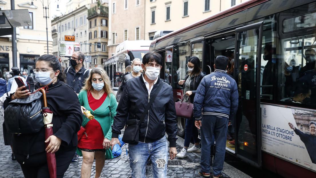 """""""Evitar otro bloqueo general"""": Italia introduce nuevas medidas ante el repunte de casos de coronavirus"""