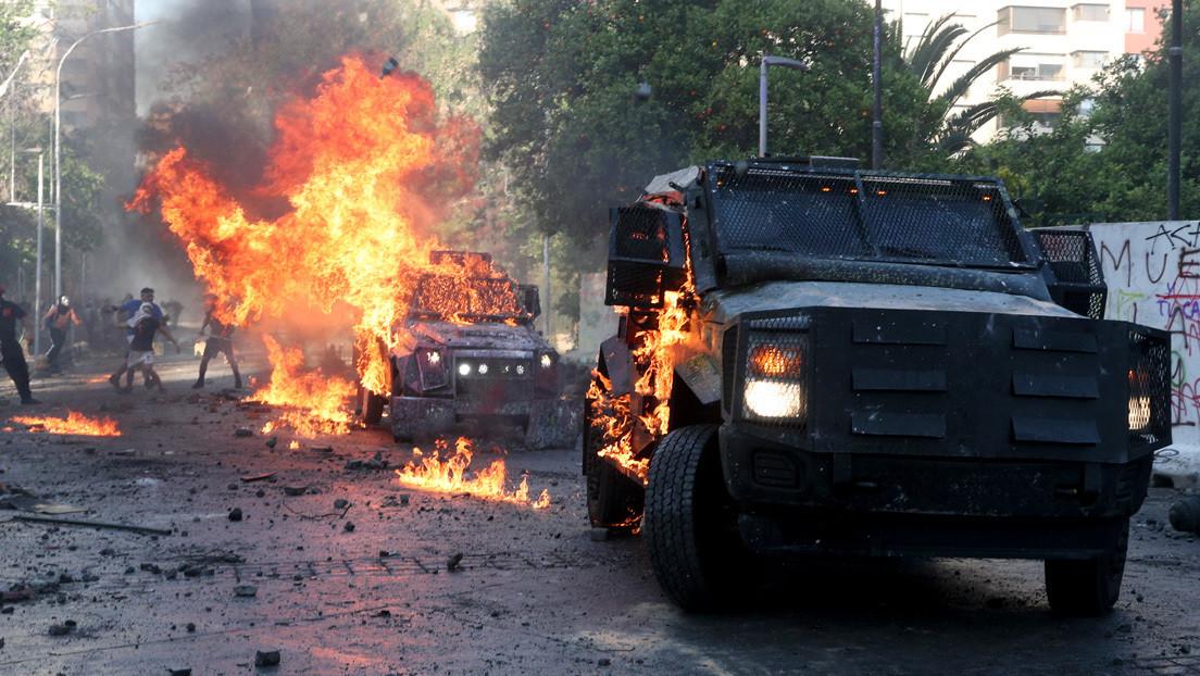 Un muerto y 580 detenidos en las protestas por el aniversario del estallido social en Chile, según Carabineros