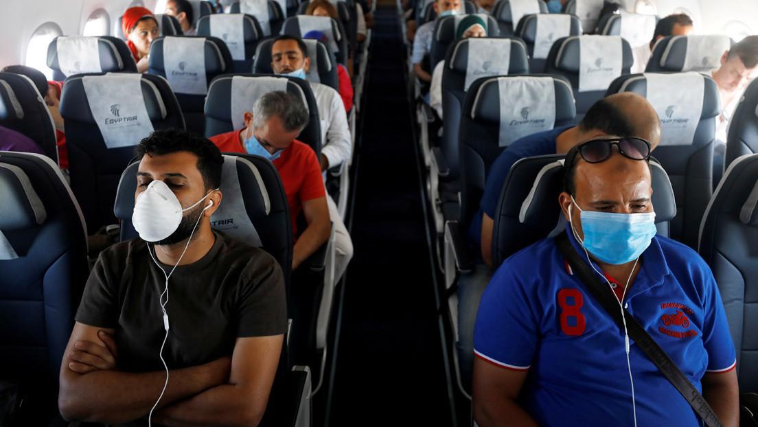 """Un experto critica el optimismo sobre la seguridad de los viajes aéreos durante la pandemia, diciendo que se basa en """"malas matemáticas"""""""