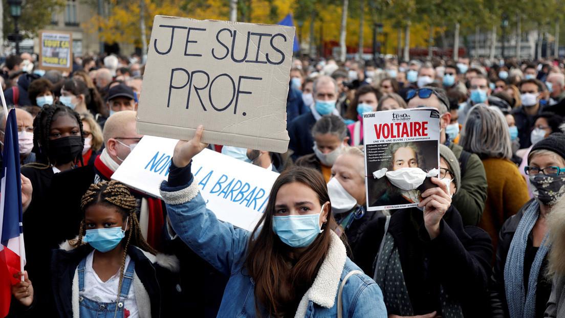 Francia publicará un libro con caricaturas religiosas tras el asesinato del profesor decapitado por mostrar caricaturas de Mahoma a los alumnos