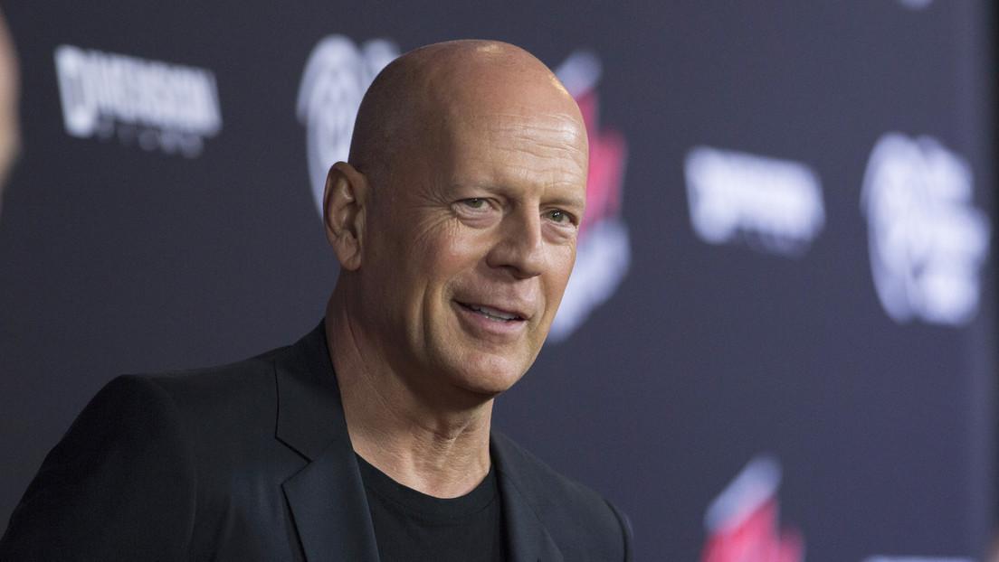 VIDEO: Bruce Willis vuelve a interpretar al icónico personaje de John McClane en un anuncio de baterías para automóviles