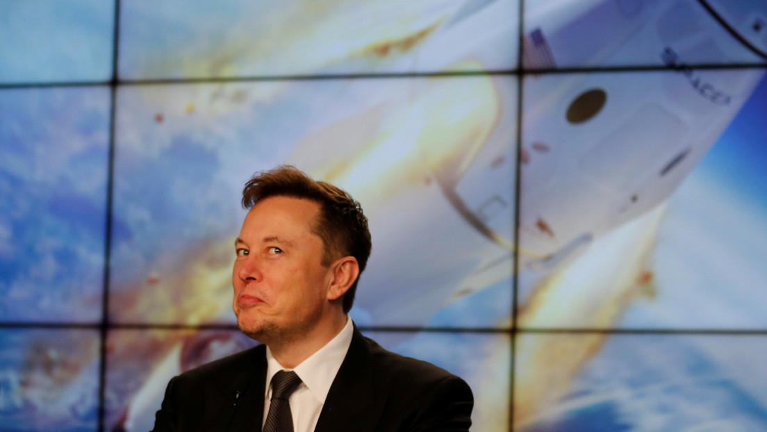 Elon Musk nombra dos lugares del Sistema Solar que podrían albergar vida