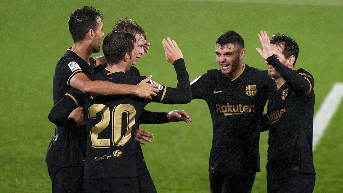FOTOS: Un futbolista del Barcelona llega a su debut en Champions con una bolsa de plástico 'fashion' y se va en taxi tras hacer historia en el torneo