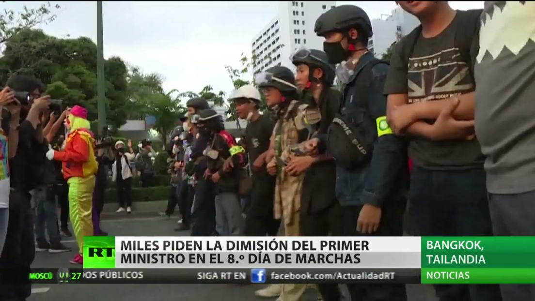 Miles piden la dimisión del primer ministro de Tailandia en el octavo día de protestas