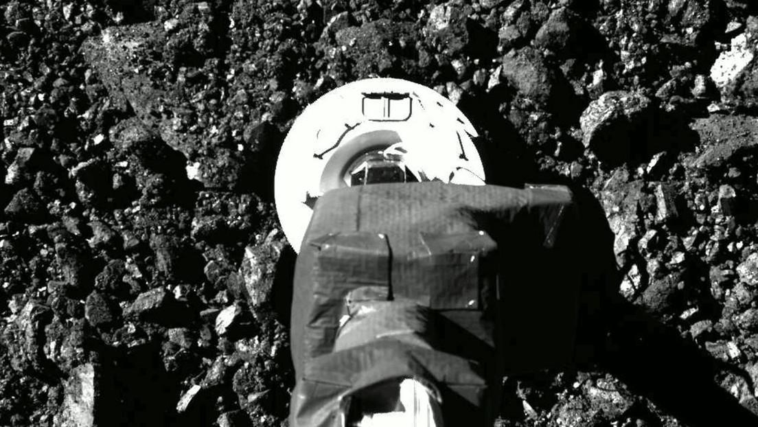 La NASA publica nuevas imágenes de la sonda OSIRIS-REx tocando la superficie del asteroide Bennu