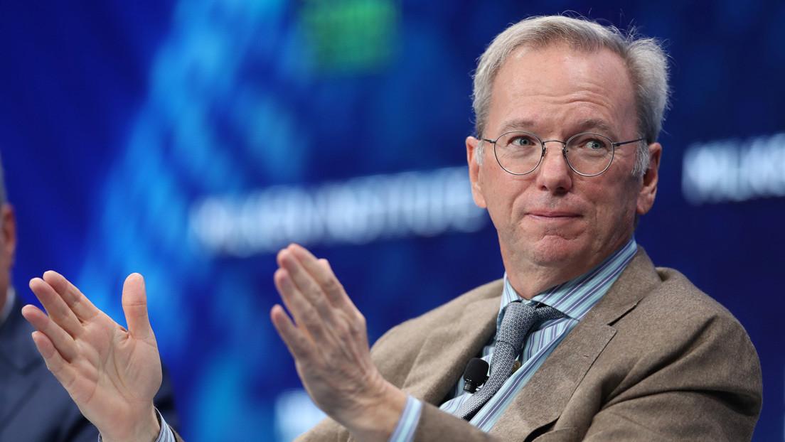 """El exdirector ejecutivo de Google tilda a las redes sociales de """"amplificadoras de idiotas y locos"""""""