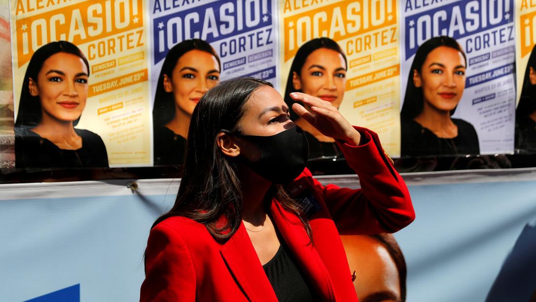 Alexandria Ocasio-Cortez debuta en Twitch y su primer 'stream' es uno de los más populares en la historia de la plataforma