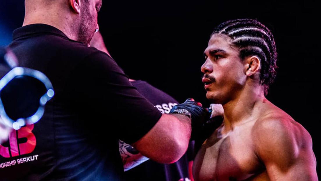 VIDEO: Un luchador de MMA le provoca una terrorífica lesión a su rival, arrancándole casi la oreja y dejándola colgando ensangrentada