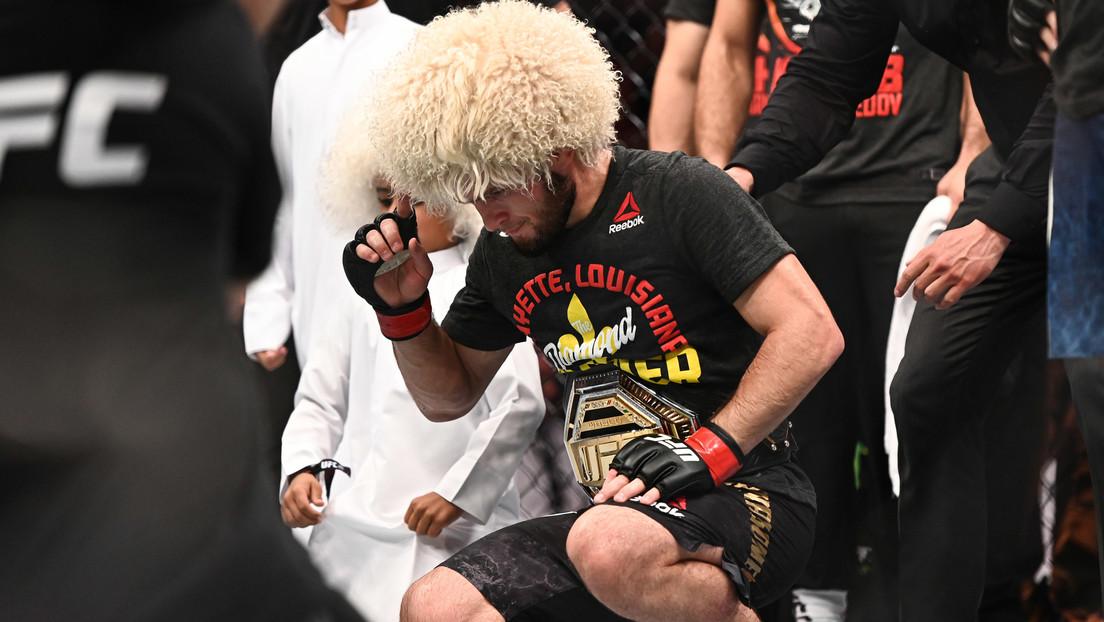 VIDEO: Khabib no puede contener las lágrimas tras vencer a Gaethje en su última pelea en la UFC