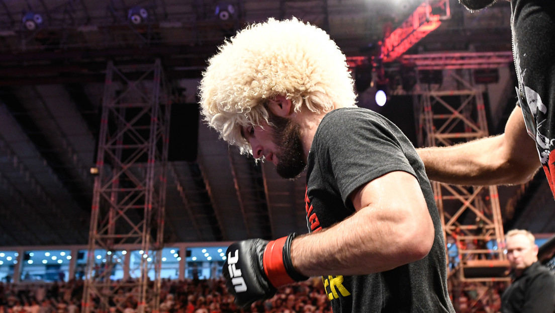 """""""Uno de los tipos más duros del planeta"""": Jefe de la UFC afirma que Khabib peleó pese a haber sufrido una fractura a 3 semanas del combate"""