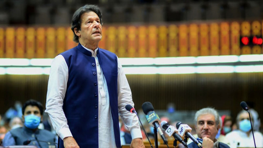 "El primer ministro de Pakistán acusa a Emmanuel Macron de ""atacar al islam"""