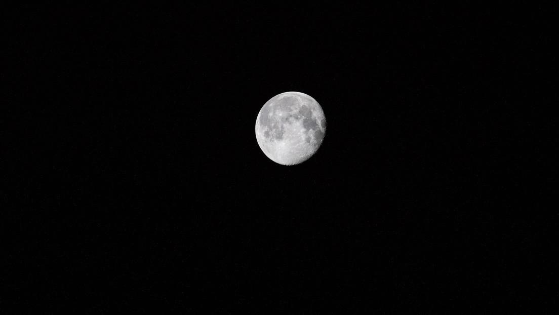 La NASA confirma abundante presencia de agua helada en la Luna