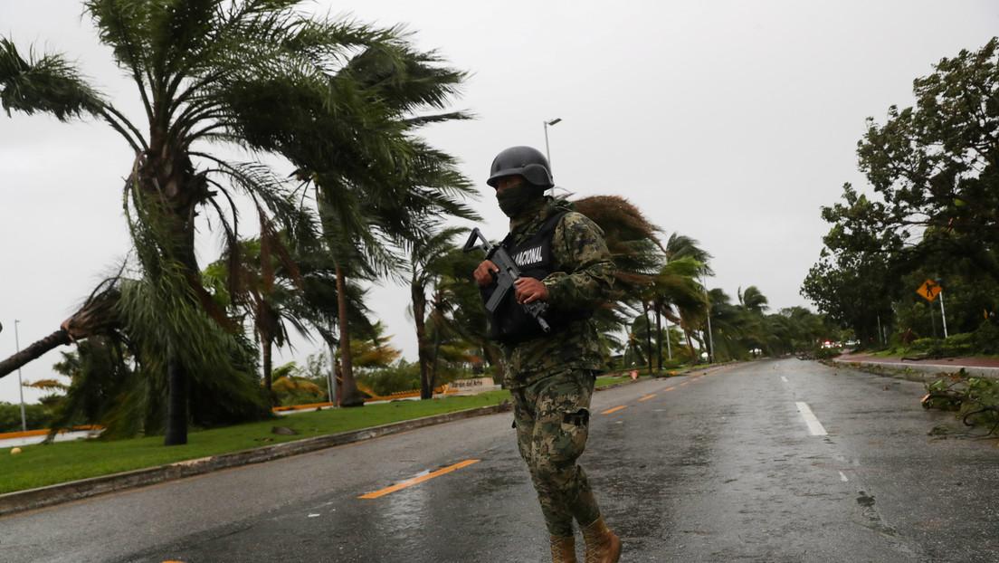 Los estados mexicanos de Quintana Roo y Yucatán emiten alertas a la espera de la llegada del huracán Zeta