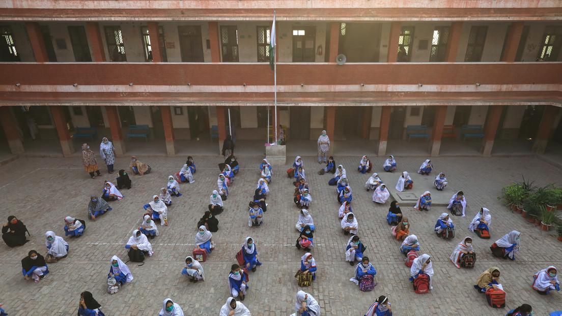 Una explosión en una escuela religiosa en Pakistán deja varios muertos y decenas de heridos