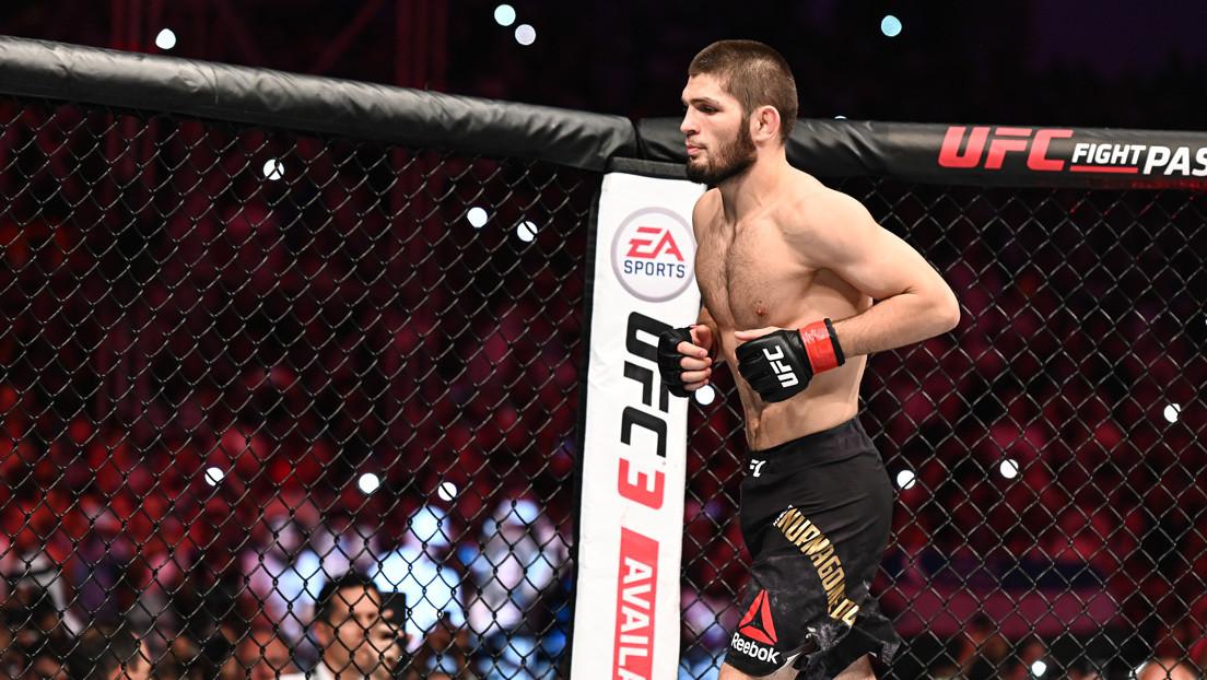 FOTOS: Khabib muestra el dedo fracturado con el que defendió el título de la UFC ante Gaethje